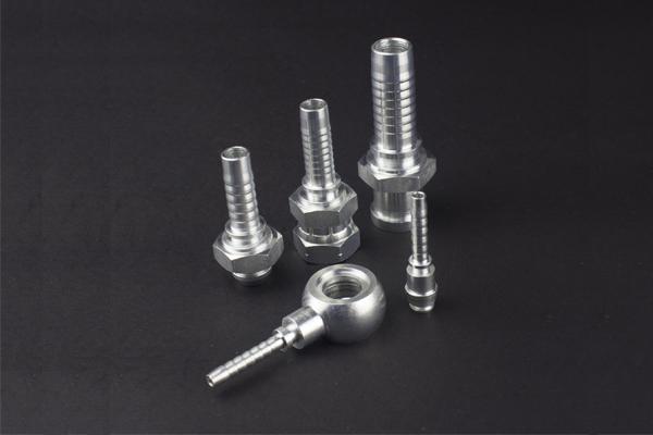 Průmyslové hydraulické kování